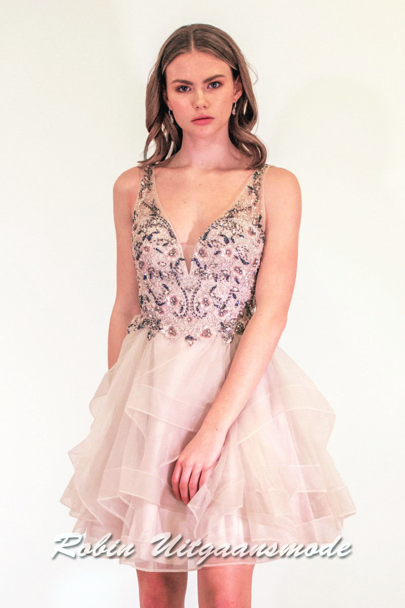 37de0555e6a Glamoureus pink dress with tulle skirt in playful layering
