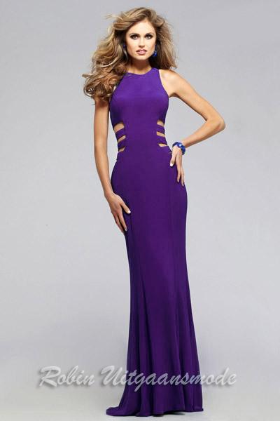 98ad6f3b2a4002 ... Glamour galajurken met ronde hals en open taille accenten in het paars  ...