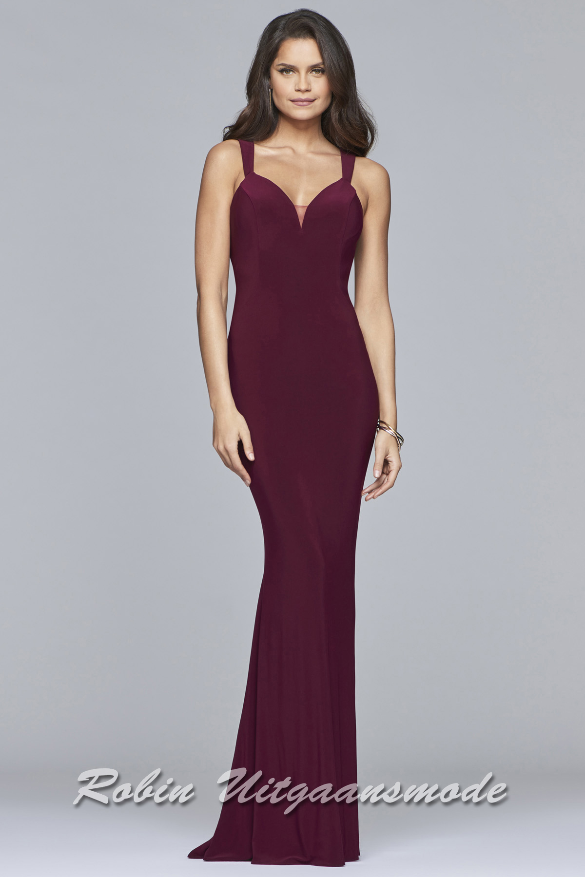 ac06e4f1175 Form-fitting long prom dress with a beautiful plunging V-neck