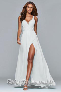 White full chiffon dress with lace detailing, this V-neck dress has a fitted bodice