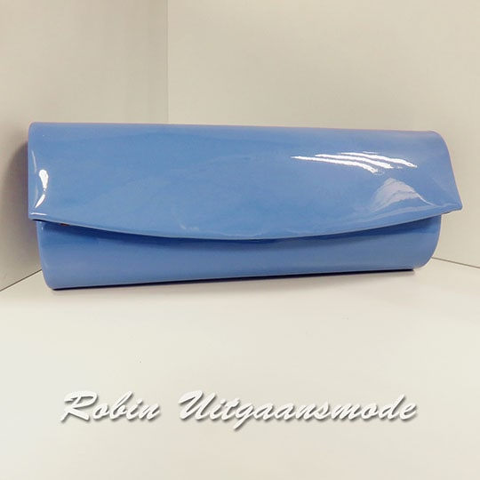 Modieuze clutch in lakleer