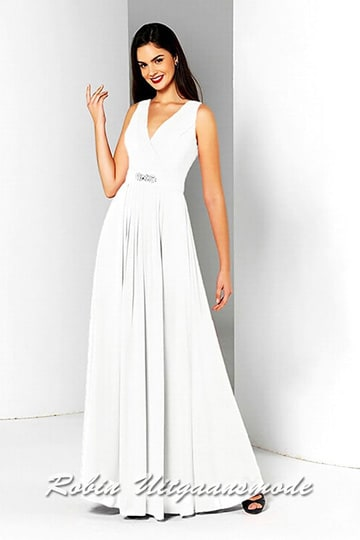 Chiffon wedding dress with wrap-over V-neck and wide waistband decorated with a gorgeous brooch | modelnr b-a4-45