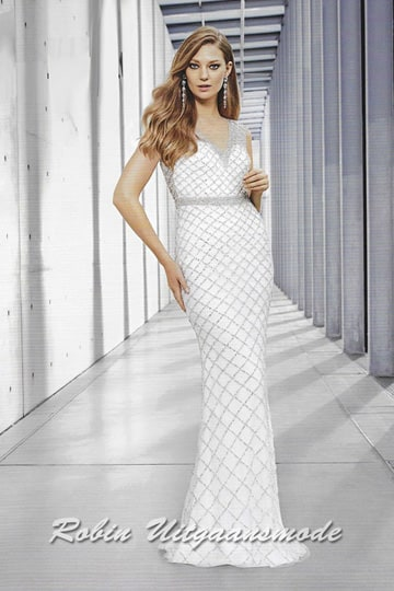 White-silver fish-tail dress with diamond pattern overlay. | modelnr b-n4-13