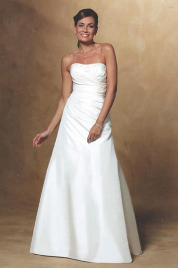Strapless wedding gown with a draped bodice and long flary skirt. | modelnr g-u2-77