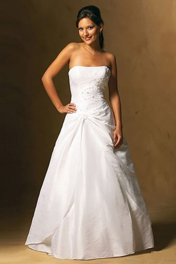 Strapless wedding dress with wide flared skirt and appliqués finished with stones | modelnr g-u2-2