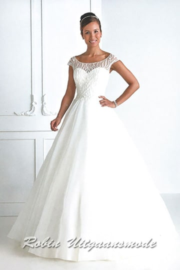 White ball gown with a flared skirt and a lace illusion high neck line. | modelnr g-u4-22