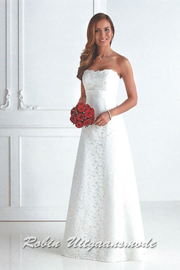Strapless white gown features a sweetheart bodice and a lace overlay from top to bottom.| modelnr g-u4-27