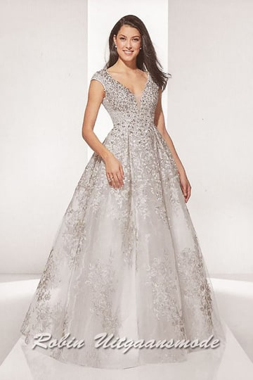 Champagne-silver wedding dress, beautifully beaded applications and a flary tulle skirt | modelnr b-u4-37