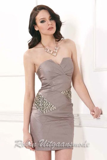 Strapless short cocktail dress with notched neckline and crystal accent | modelnr c-1-24