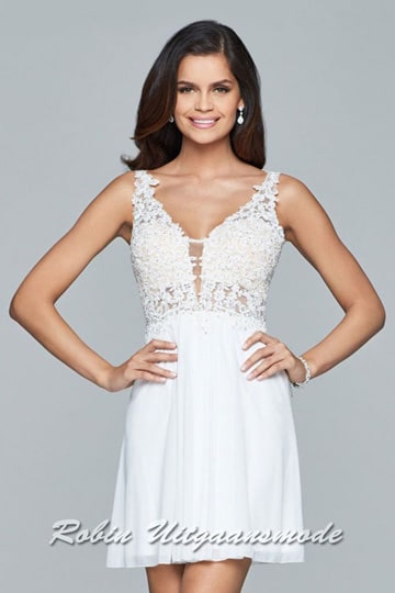 Romantic short wedding dress with straps, lace appliques on entire bodice and a chiffon skirt | modelnr c-1-51