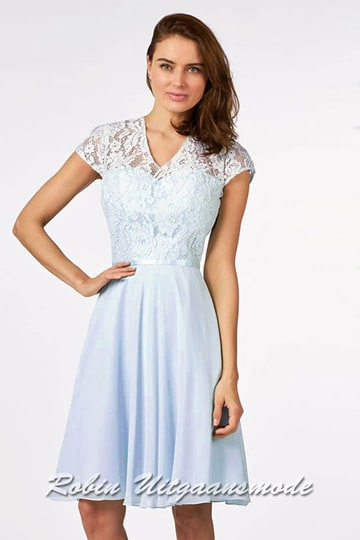 Cocktail dress with lace top, a high V-neck, chic cap sleeves and chiffon circle skirt to the knee | modelnr c-a1-76