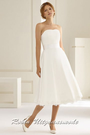 Strapless ivory white wedding dress with lace and flared short skirt | modelnr c-b1-6