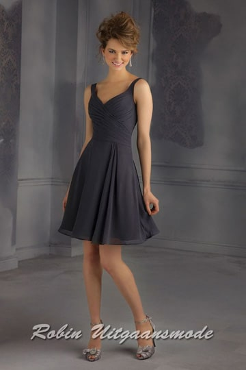 Stylish short prom dress with a lightly draped bodice and waist in navy or ivory | modelnr c-mo1-15
