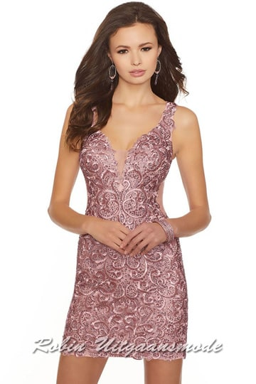 Pink lace short dresses, sleek model with transparent low back. | modelnr c-mo1-19