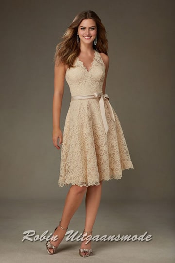 Romantic lace short dress featuring a scalloped V-neckline and a matching satin tie sash completes the look | modelnr c-mo1-21