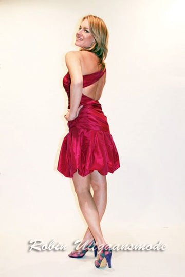 Red balloon dress with one-shoulder and a half-open back | modelnr c-n1-14