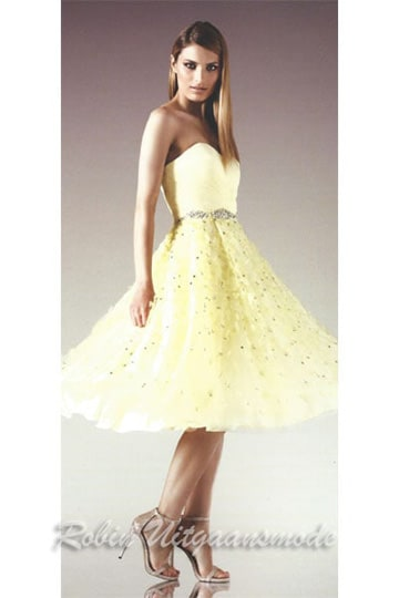 Strapless sweetheart cocktail dresses with elegant flowers on the petticoat skirt | modelnr c-n1-60