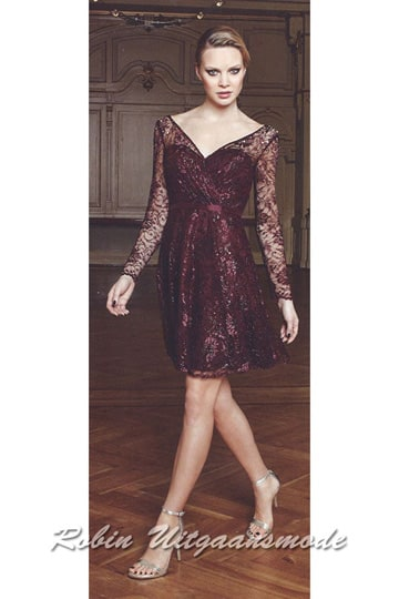 V-neck short dress lace covered style and long sleeves | modelnr c-n1-62