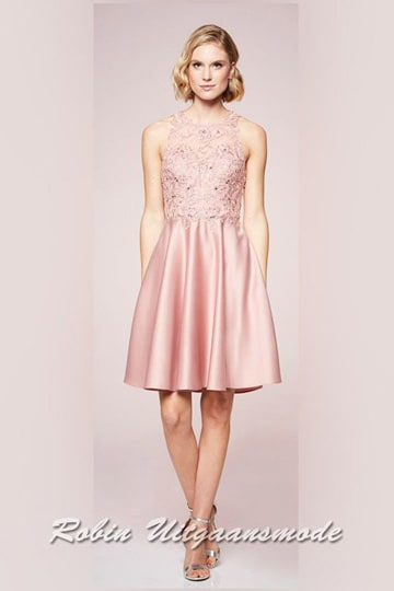 Short bridesmaid dress, the heart-shaped top is decorated with lace applications and rhinestones and high-necked closed | modelnr c-n1-74