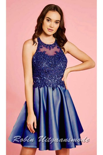 Short prom dress with a lace halter bodice, a keyhole back and a flowy skirt till the knees | modelnr c-ul1-55