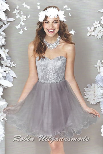 Festive silver-grey cocktail dress with heart-shaped strapless top and flary skirt with several tulle layers | modelnr c-ul8-13