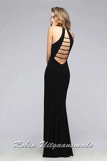 Lace-up back of the black prom dresses with V-neck neckline and high slit | modelnr g-2-171