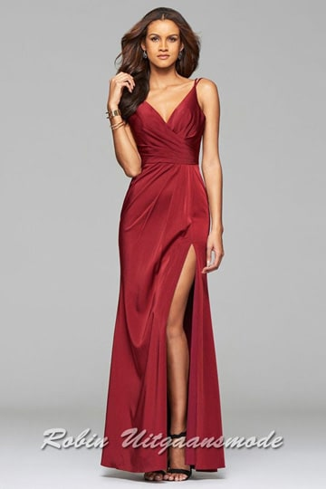 Red long prom dresses with draped front, V-neck and a high slit | modelnr g-2-173