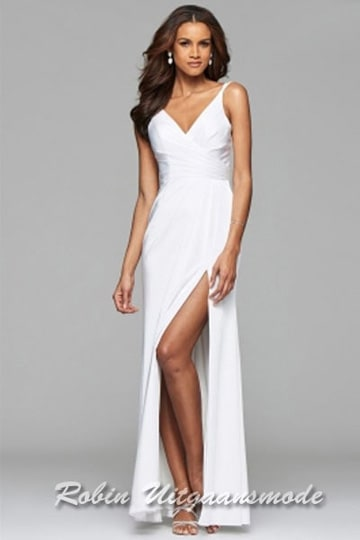 Long wedding dress with draped front, V-neck and skirt with high slit. | modelnr g-2-173