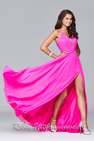 Pink evening dress with V-neck, spaghetti straps and slit | modelnr g-2-174