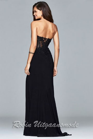 The low back of the black strapless dress with transparent lace-up waist | modelnr g-2-181