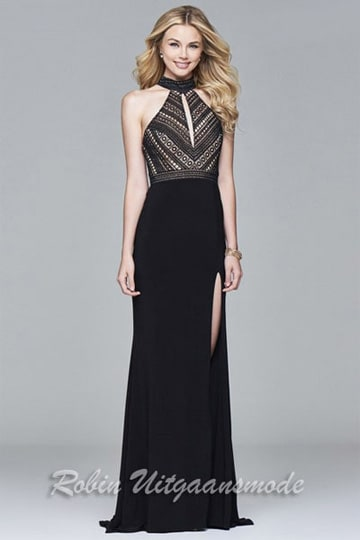 Elegant prom dress features an embroidered lace bodice with keyhole and a high slit on the skirt | modelnr g-2-187