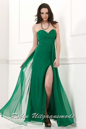 Green strapless evening dress with sweetheart bodice, a front high slit | modelnr g-2-19