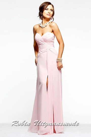 Pink prom dress with sweetheart strapless bodice, a straight-cut back and high slit | modelnr g-2-19