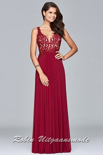 Stylish and unique red dress features a V-neck with lace floral applique bodice. | modelnr g-2-198
