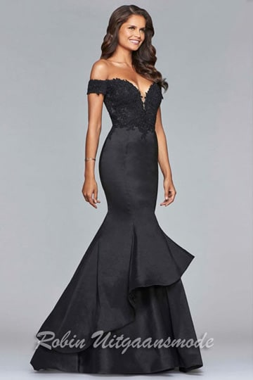 Long stretch off-shoulder evening dress with lace bodice and a mermaid skirt | modelnr g-2-204