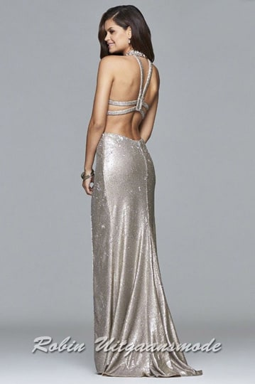 Low back with beaded straps of the sexy halter prom dress. | modelnr g-2-218