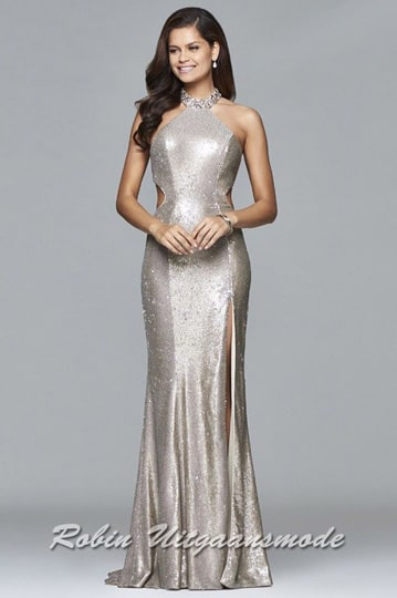 Shimmering long halter dress with beaded collar and side cut-outs that extend to the back. | modelnr g-2-218