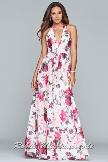 Flowing chiffon dress features a long skirt with all-over floral print and lace up back. | modelnr g-2-231