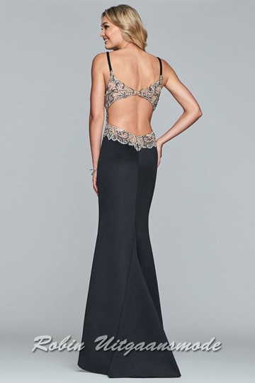 Long fitted prom dress with V-neck, low back and side cutouts that are adorned with intricate beading and applique | modelnr g-2-234
