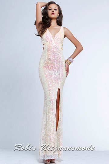 Shimmering long evening dress in light pink with low open back and slit | modelnr g-2-87