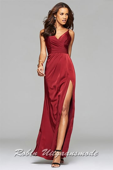 Red long evening dresses with draped front, V-neck and a high slit in size 50 | modelnr g-3-39
