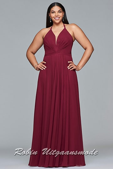 Plus size dress with a V-neck halter and flary skirt, available in red, wine and navy | modelnr g-3-41