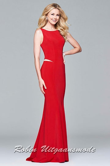 Long evening dress features a high-round neckline, a daring open back and a fit and flare skirt | modelnr g-5-19