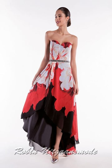 Strapless prom dress in a red-black floral print, with a heart-shaped neckline and a high-low skirt | modelnr g-a2-34