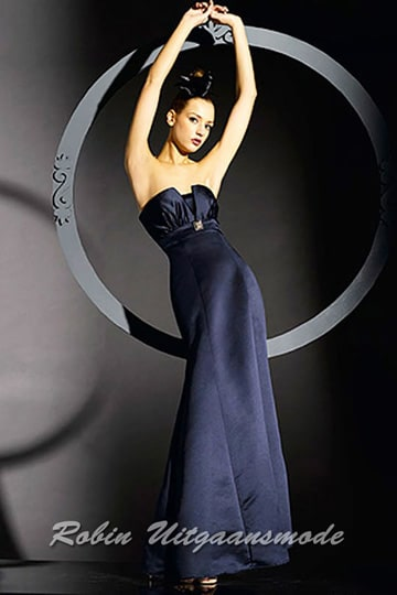 Stylish navy-blue party dress feature a butterfly strapless top | modelnr g-b2-3