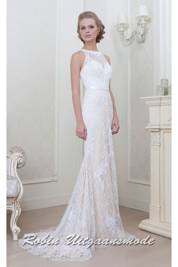 Elegant vintage inspired lace dress with a high neckline and long train | modelnr g-g2-1