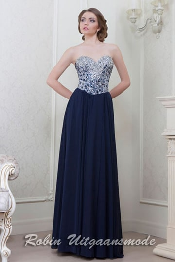 Chic strapless evening gown with a fully beaded sweetheart bodice and light flary skirt | modelnr g-2-3