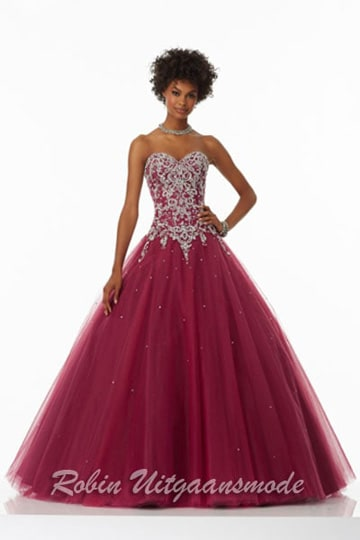 Glamour evening dress with beaded bodice and the full tule skirt flares out, up to size 48 | modelnr g-mo2-19