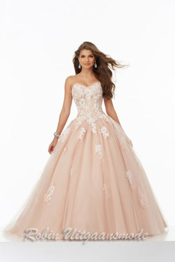 Ballgown with beaded lace bodice and on A-line tule skirt | modelnr g-mo2-21