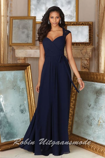Navy blue dress with elegant wrap style bodice and delicately beaded lace cap sleeves | modelnr g-mo2-38